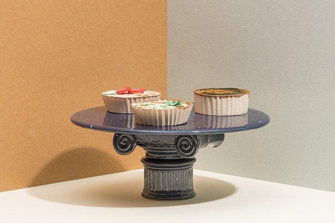 Подставка-столик керамическая Cestia Column синего цвета