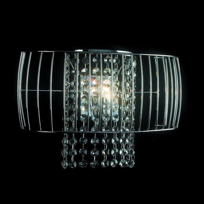 Настенный светильник Illuminati с прозрачными кулонами за металлической решеткой