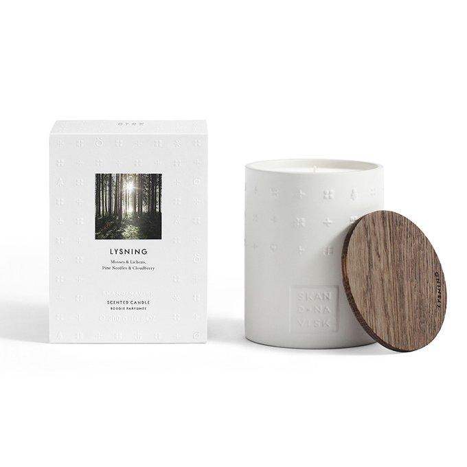 Свеча ароматическая lysning белого цвета с крышкой