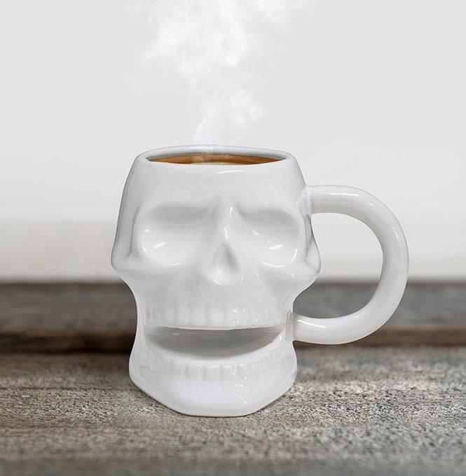 Кружка керамическая Balvi skully белая