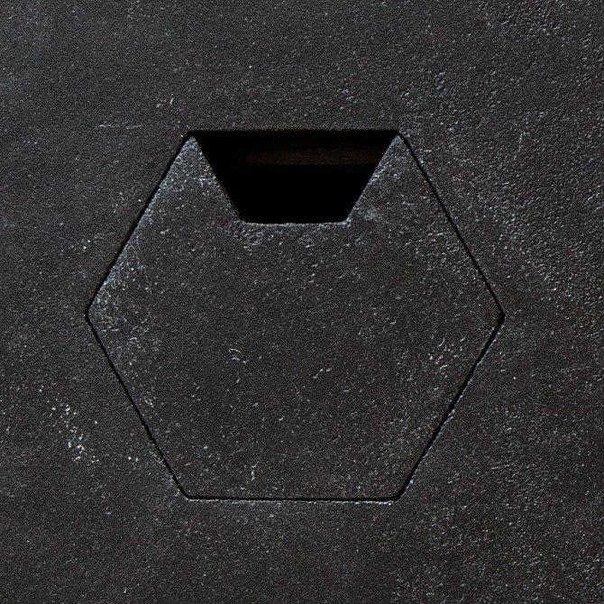 Рабочий стол Гексагон Брильянт из микроцемента в черном цвете