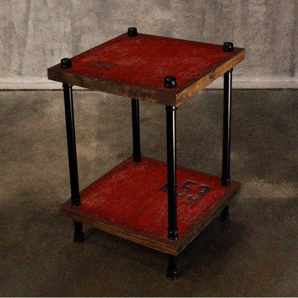 Кофейный столик из массива сосны и металла