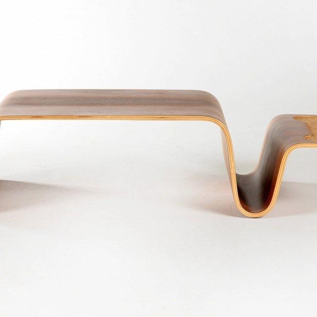 Кофейный столик Overlap из американского ореха
