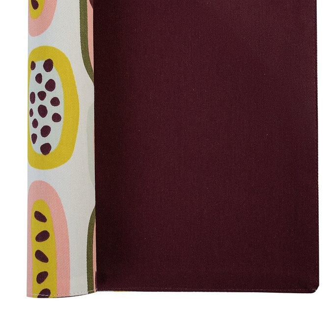 Салфетка двухсторонняя под приборы Wild бордового цвета с принтом Passion Fruit 35х45