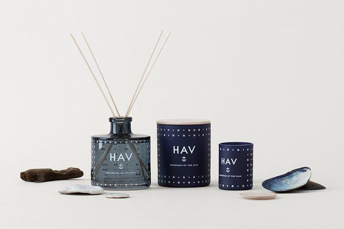 Свеча ароматическая Hav темно-синего цвета с крышкой