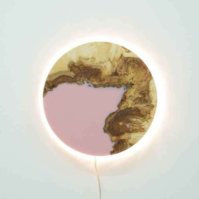 Светильник из дуба с розовой заливкой
