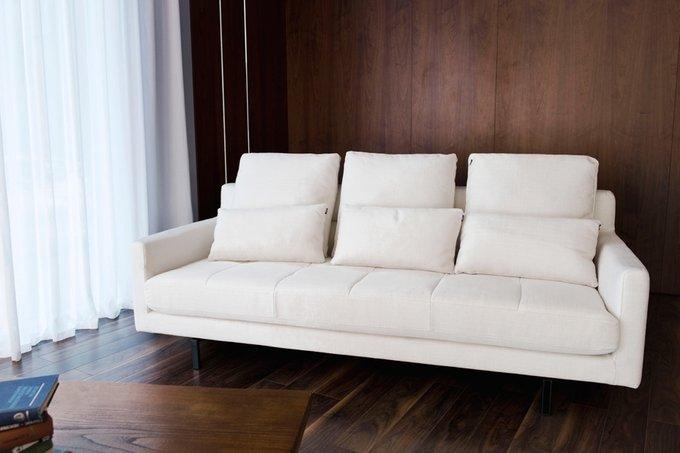 Диван трехместный Вилла Руфоло белого цвета