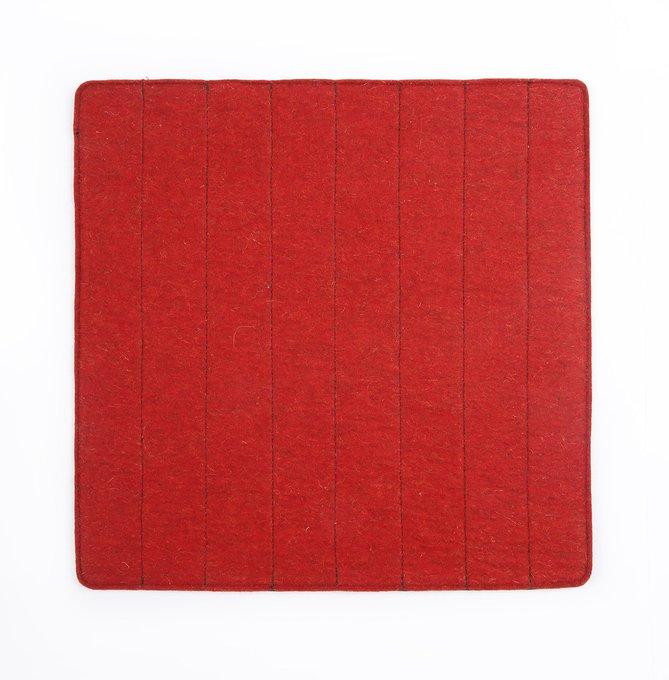 Сидушка из 100% шерсти красного цвета