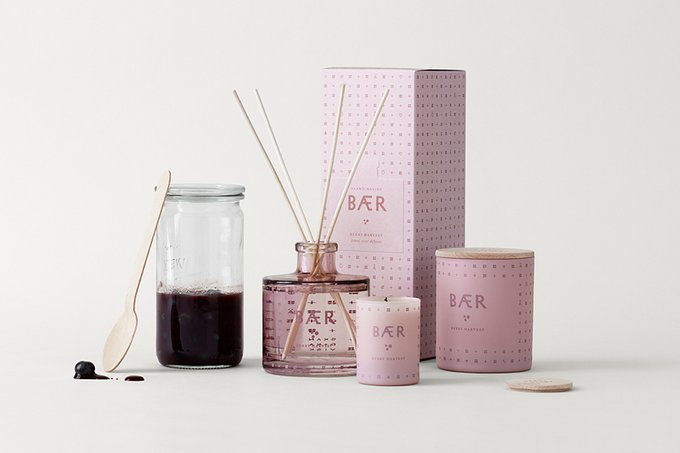 Свеча ароматическая Baer розового цвета с крышкой
