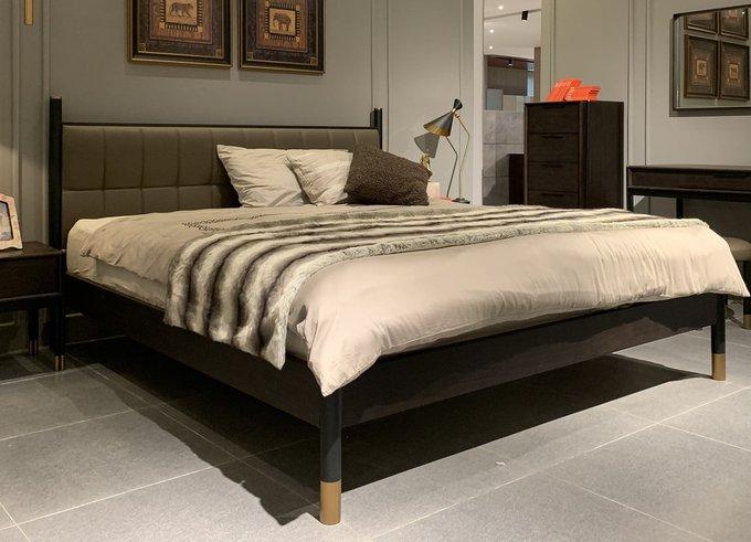 Кровать Benissa на высоких ножках 180х200