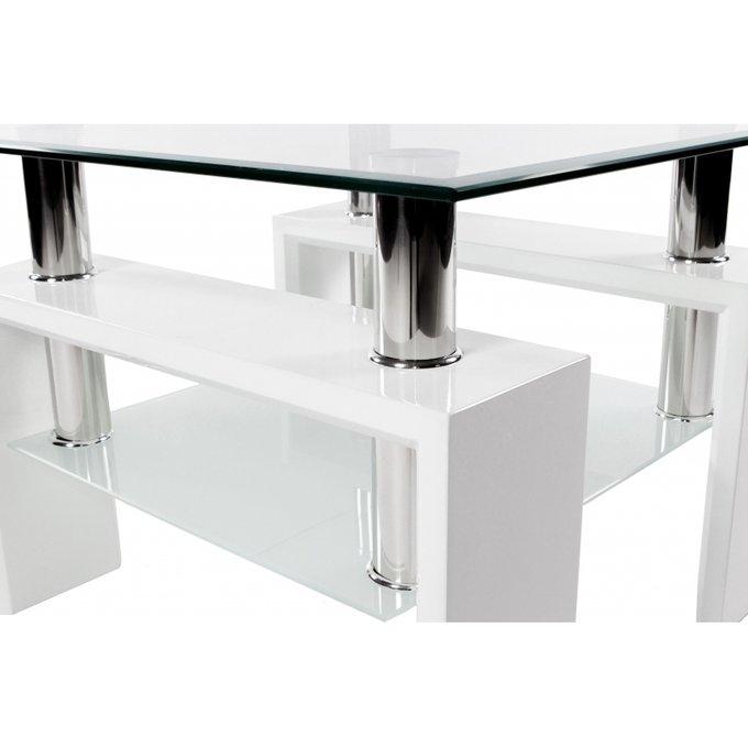 Журнальный стол белого цвета