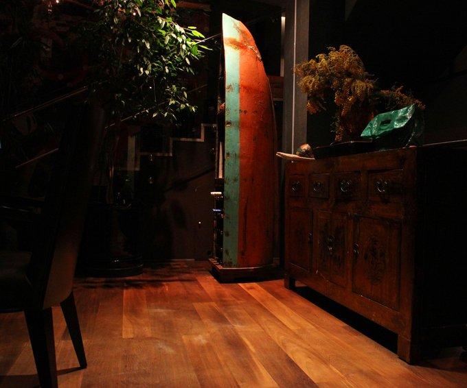 Винный шкаф Лаперуз из старой рыбацкой лодки