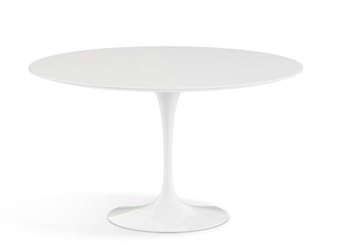 Обеденный стол Apriori T со столешницей белого цвета