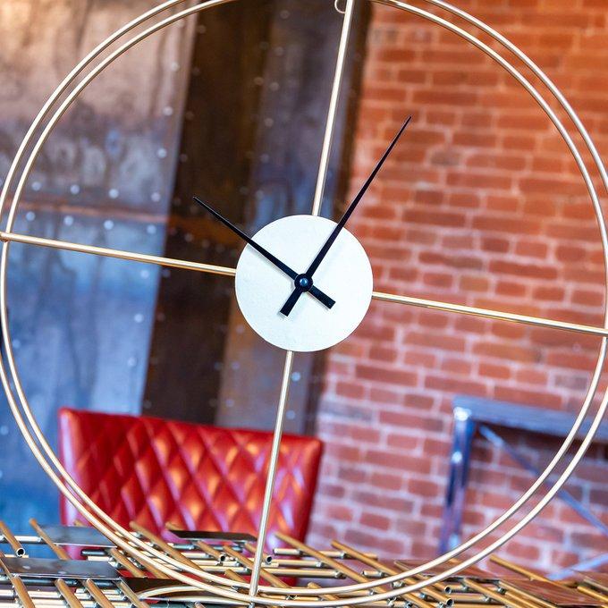 Часы Сенсей / День в золотом корпусе