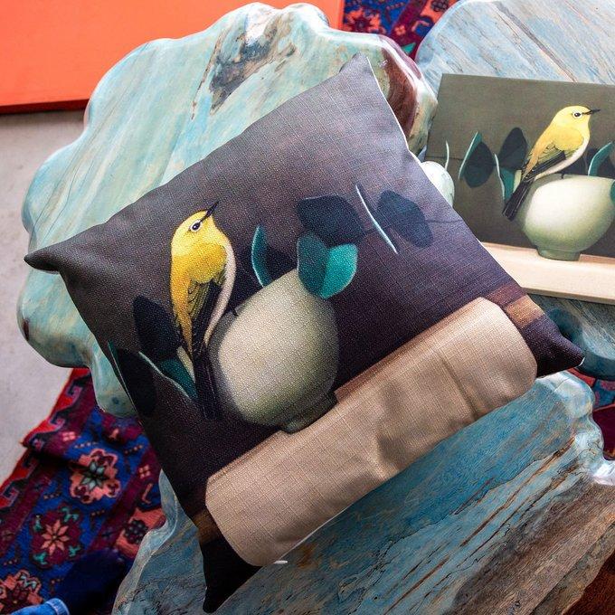 Интерьерная подушка Мистер Лимонник зеленого цвета