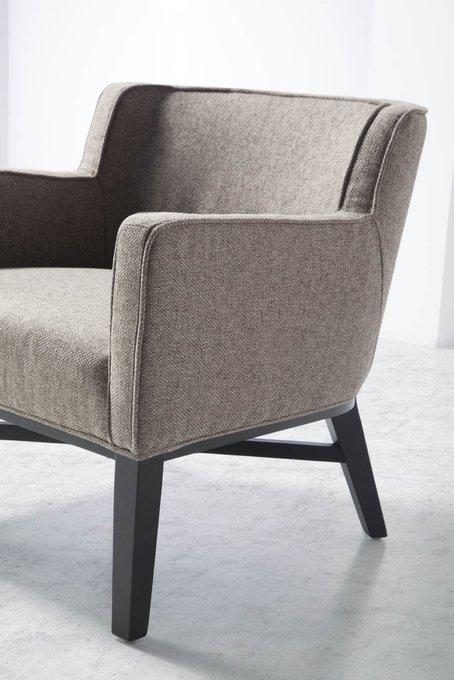 Кресло в обивке из ткани серого цвета