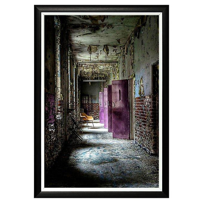 Арт-постер Призраки графства Суррей в черной раме