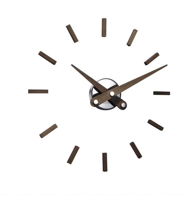 Часы Puntos Suspensivos с деревянными стрелками