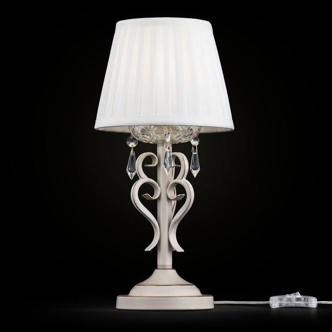 Настольная лампа Triumph с абажуром из органзы