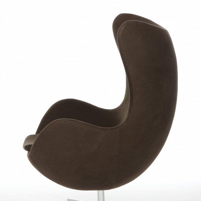 Кресло Egg Classic темно-коричневого цвета