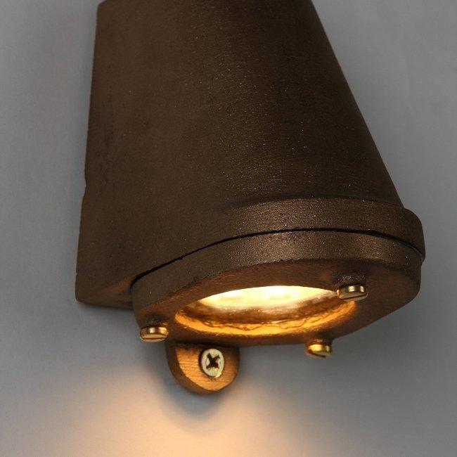 Настенный светильник Mast Light бронзового цвета
