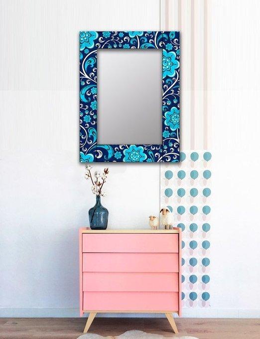Настенное зеркало Васильки в раме из массива сосны 55х55