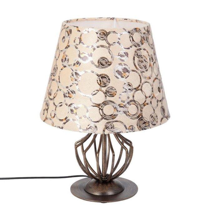 Настольная лампа с бежевым абажуром