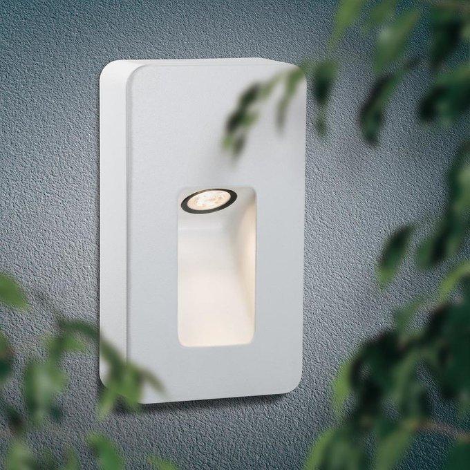 Уличный настенный светодиодный светильник Slot белого цвета