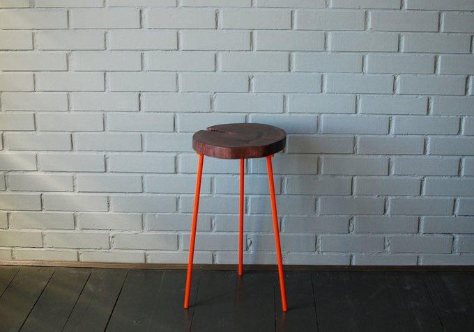 Стол из спила Tree 11 с ножками оранжевого цвета