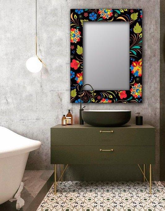 Настенное зеркало Цветочный фейерверк в раме из массива сосны 90х90