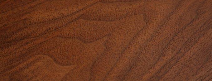 Комод из дерева и металла