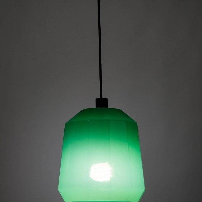 Подвесной светильник Green Glass зеленого цвета