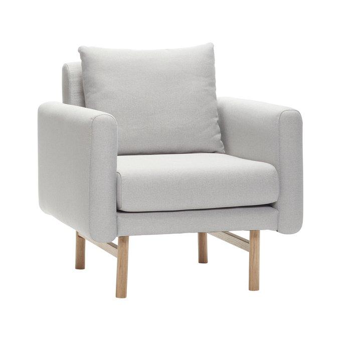 Кресло в скандинавском стиле светло-серого цвета