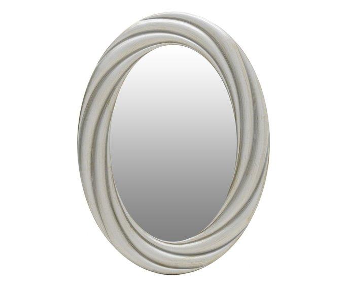 Настенное зеркало в раме бежевого цвета