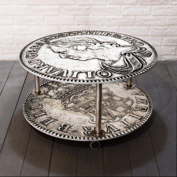 Журнальный столик на колесиках из массива сосны и металла