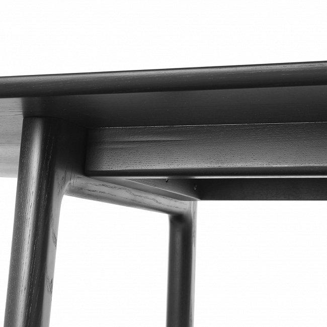 Обеденный стол Mandarin черного цвета