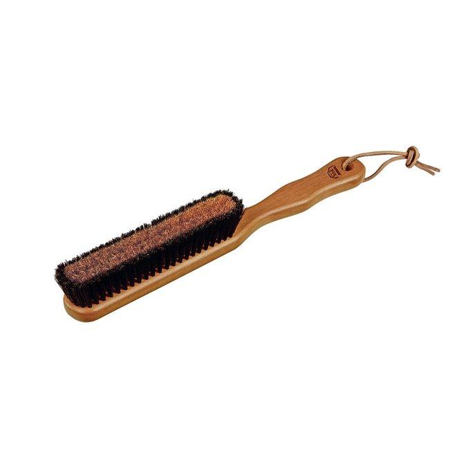 Щётка для одежды с ручкой из дерева