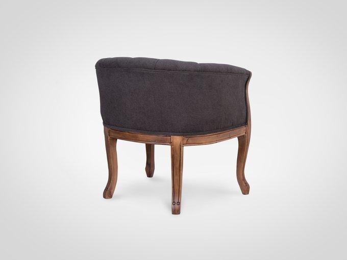 Кресло с мягкими подлокотниками