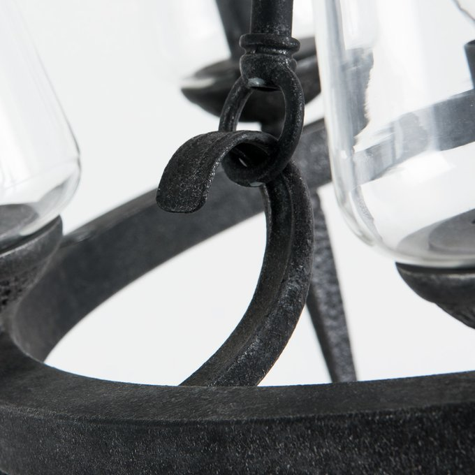 Подвесная люстра с прозрачными плафонами