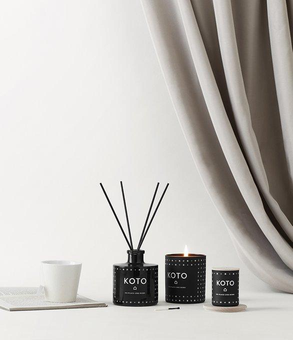 Свеча ароматическая Koto черного цвета с крышкой