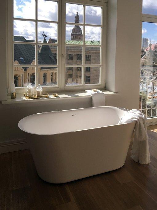 Каменная ванна Tulip белая