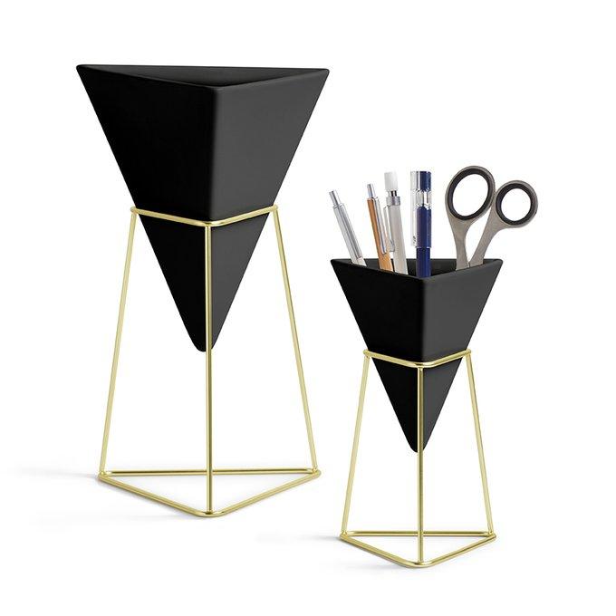 Декор настольный Trigg черного цвета с элементами цвета латуни