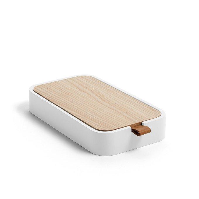 Коробка Mackie белого цвета
