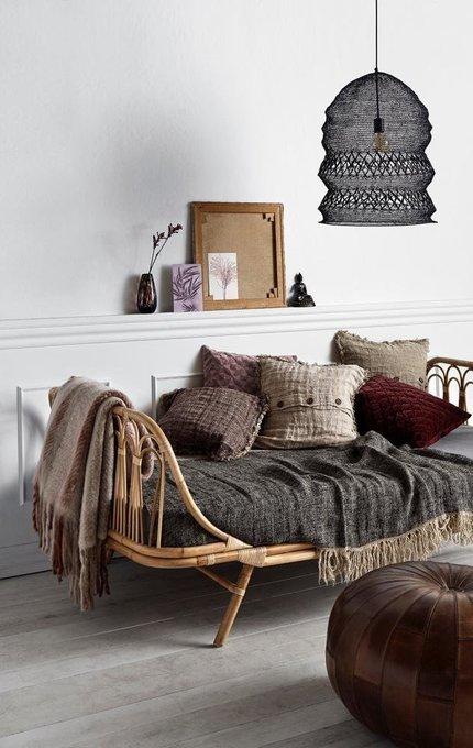 Кушетка из ротанга с подушкой