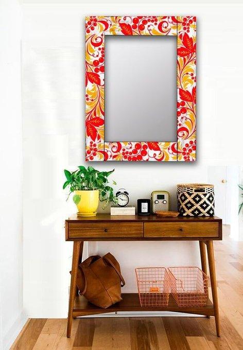 Настенное зеркало Рябина в раме из массива сосны 80х80