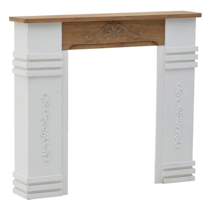 Портал для камина бело-коричневого цвета