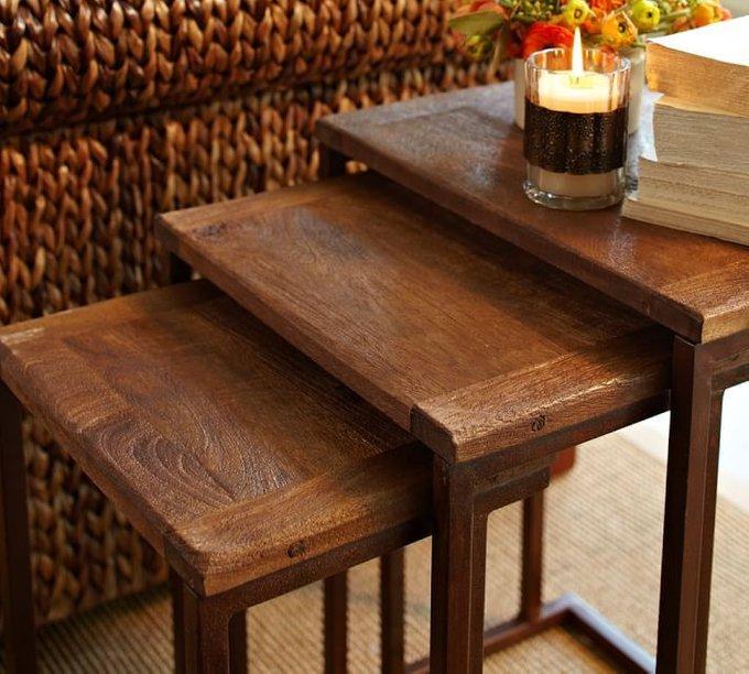 Комплект из трёх приставных столиков