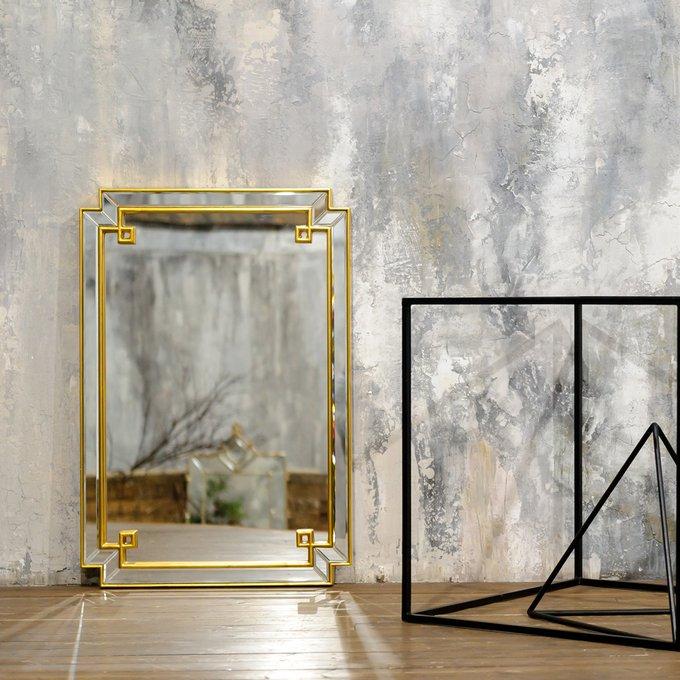 Настенное зеркало Астрид Голд в граненой раме с зеркальным слоем
