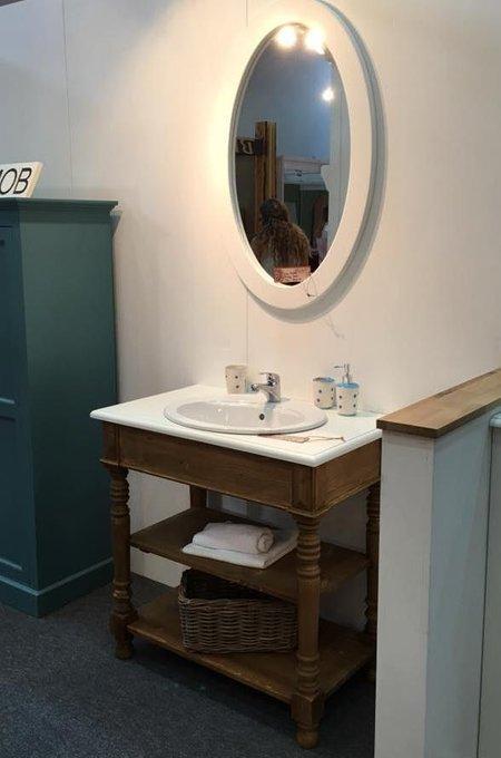 Тумба в ванную комнату под раковину Брюгге с сосновой столешницей