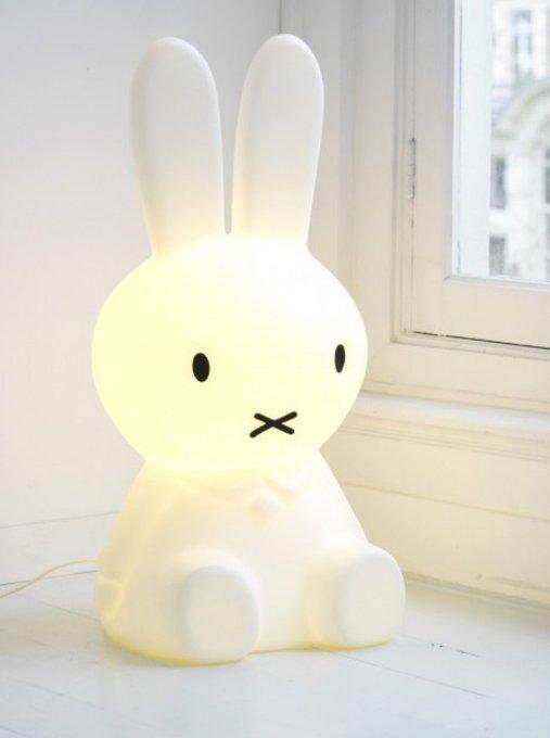 Детская настольная лампа Зайчик Miffy белого цвета